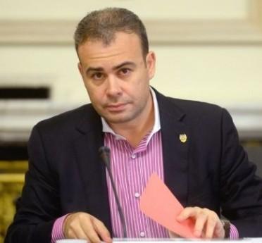 ministrul finantelor darius valcov