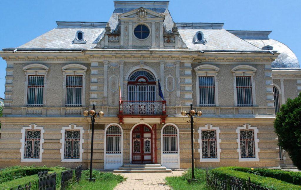 1-Muzeul_de_Istorie_Roman