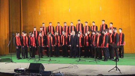 corul-Laudamus-Liceul-Teologic-Episcop-Melchisedec-450x253